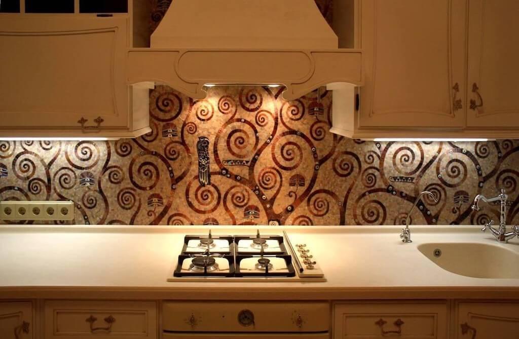 Как выбрать и оформить плитку мозаику для кухни на фартук?