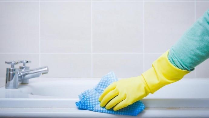 Как быстро и просто отмыть плитку в ванной от налета в домашних условиях