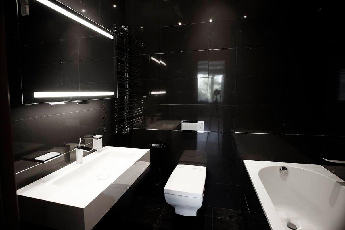 Матовые и глянцевые поверхности плиток для ванной 2
