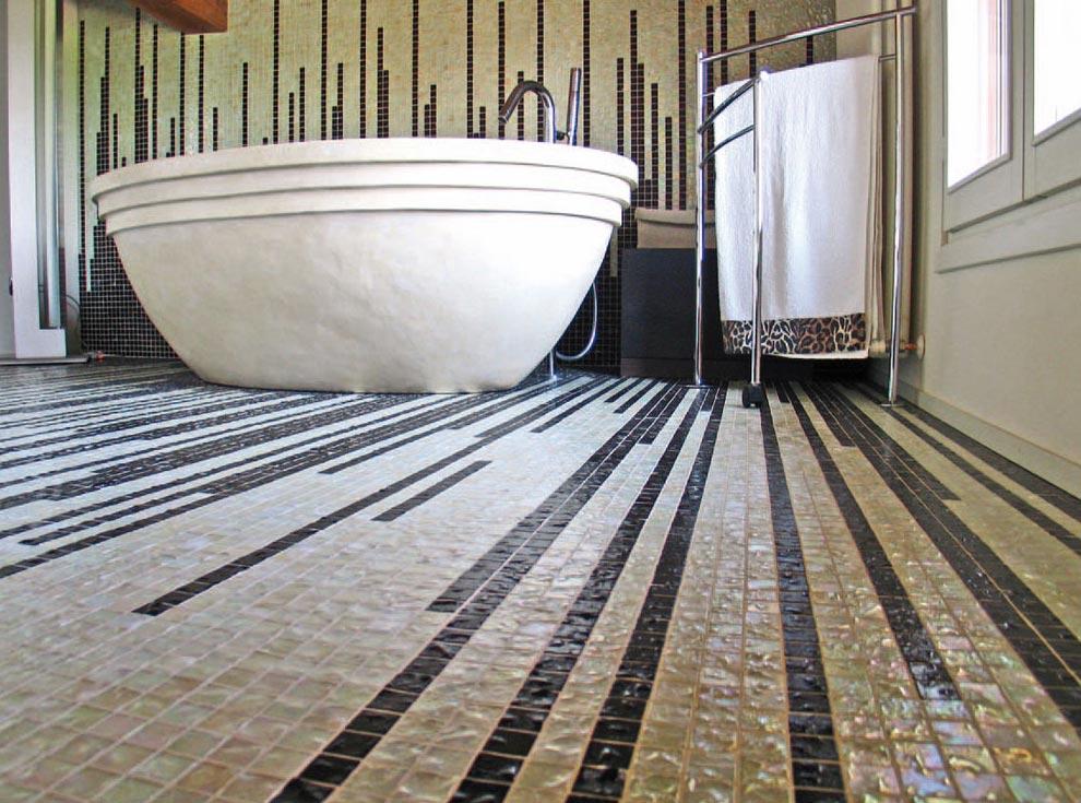 мозаика в ванной на полу