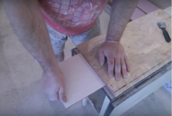 Как разрезать плитку без плиткореза: подборка простых способов