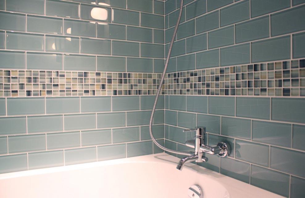 плитка для ванной из стекла
