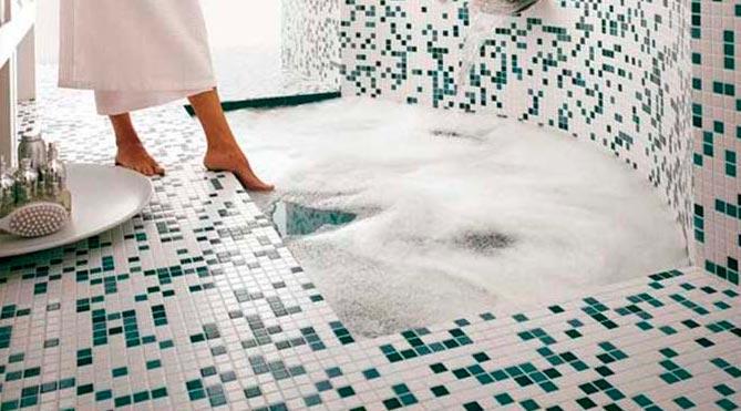 плитка мозаика на пол в ванной