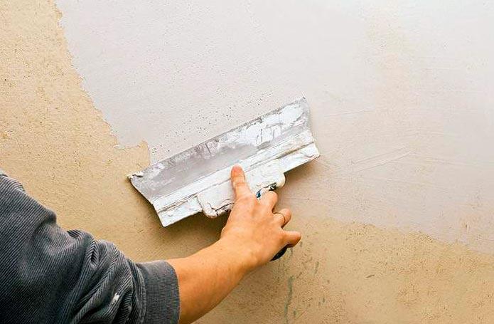 Подготовка поверхности стены перед укладкой кухонного фартука