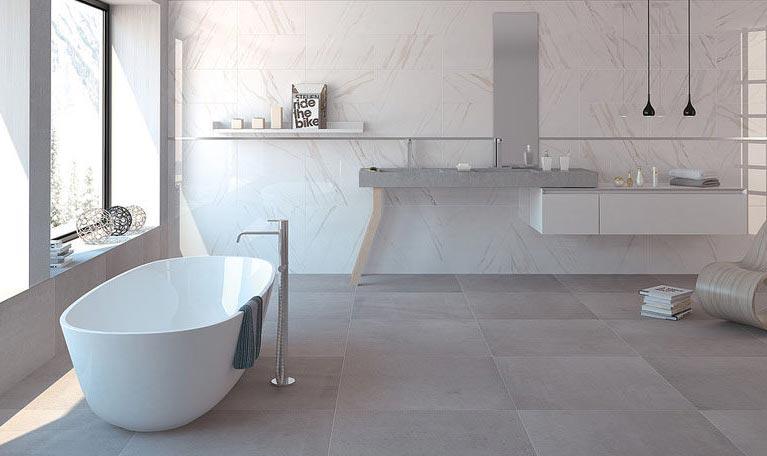ванная из больших плиток