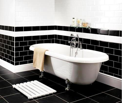 Варианты дизайна черно-белой ванны 16