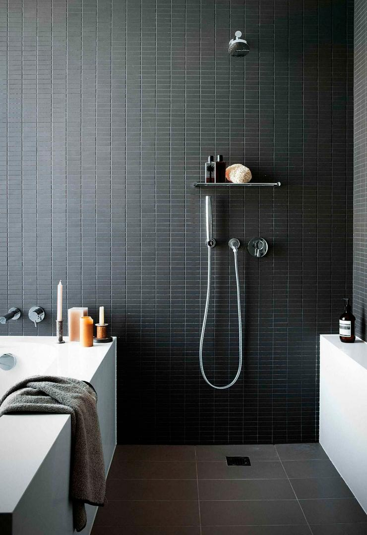 Варианты дизайна черно-белой ванны 42