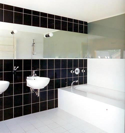 Варианты дизайна черно-белой ванны 48