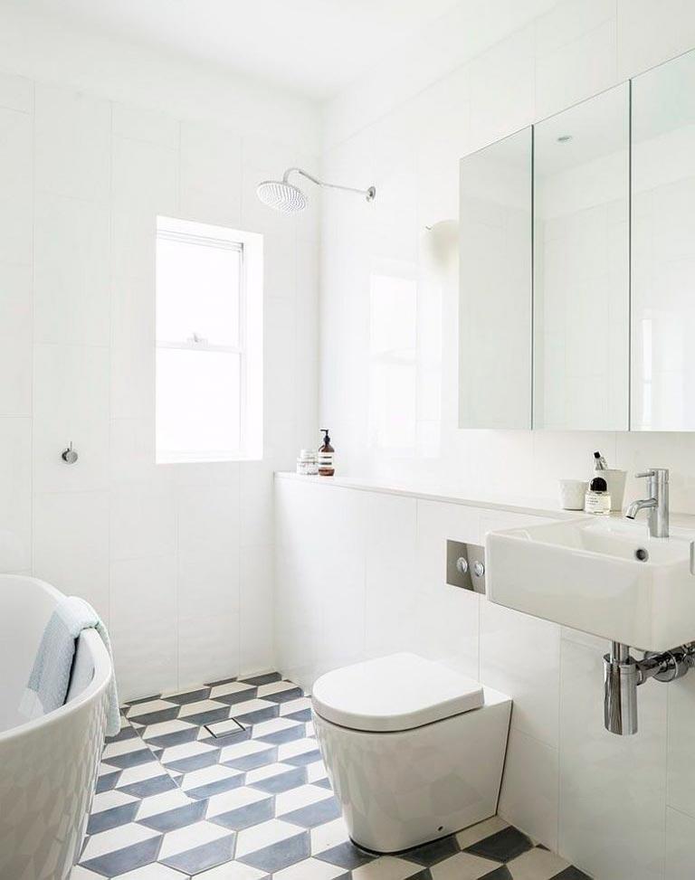 Варианты дизайна черно-белой ванны 51