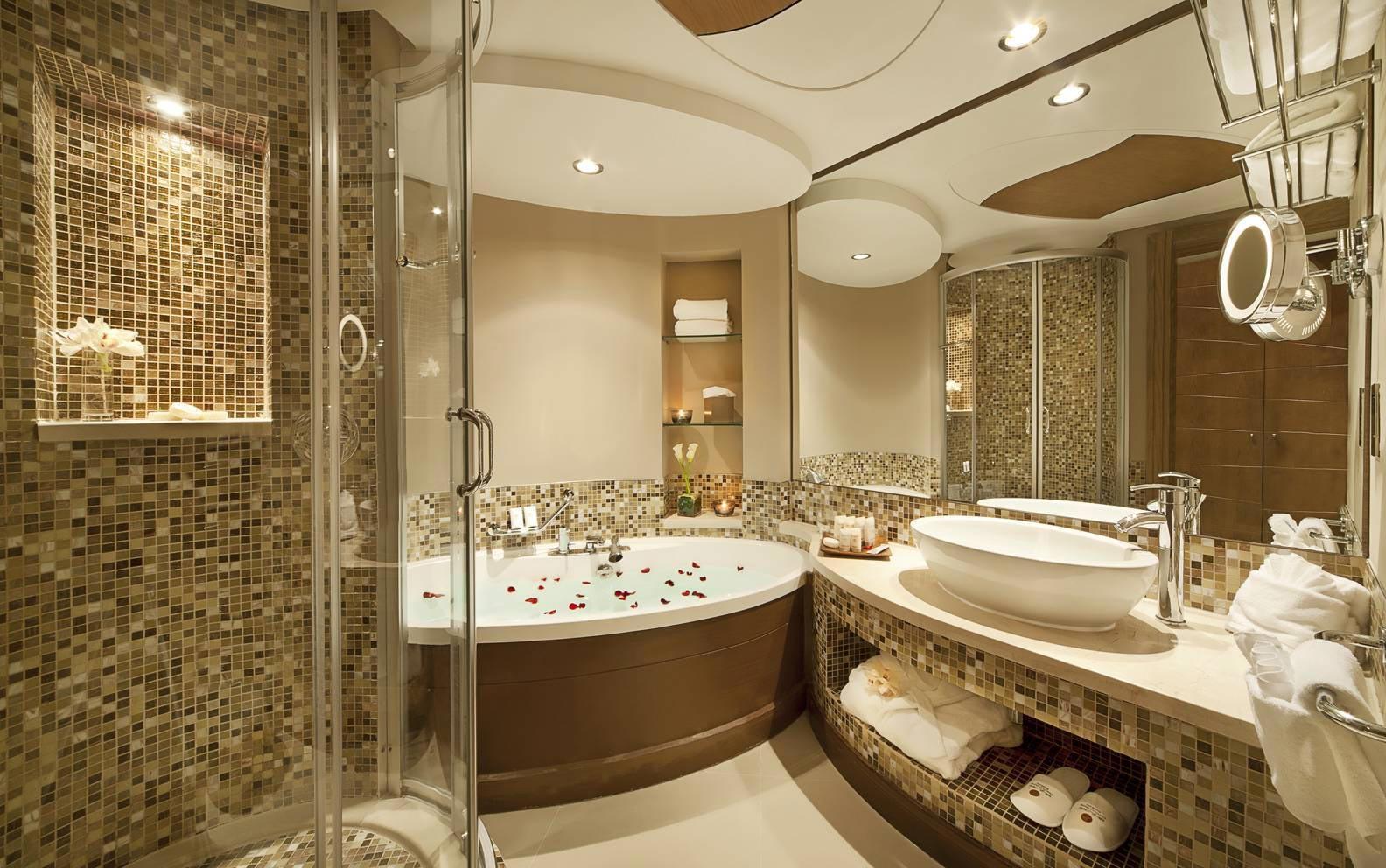 варианты современного дизайна с плиткой в ванной
