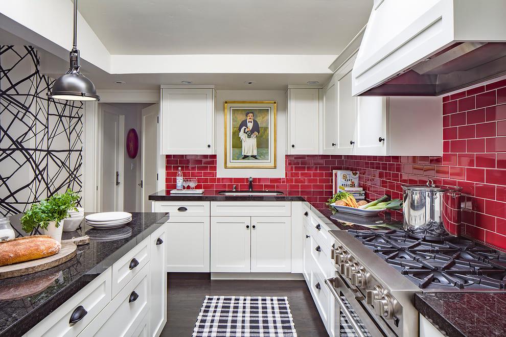 Кухонный фартук из кабанчика