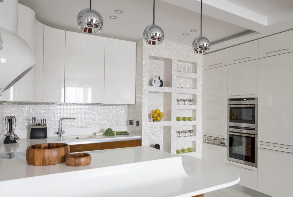 Перламутровая мозаика на кухне