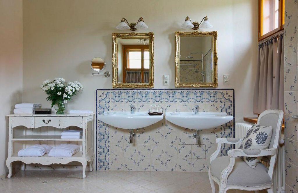 Цветовые решения ванной в стиле шебби-шик 2