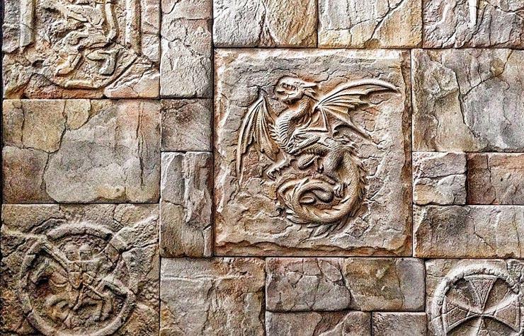 Декоративная плитка в замковом стиле