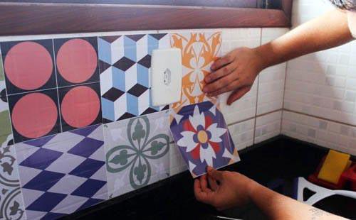 декорирование пленкой плитки на кухне-советы и рекомендации