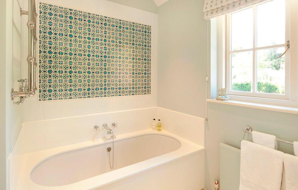 Другие варианты дизайна панно в ванной 13