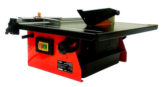 Электрический плиткорез с водяным охлаждением Elitech ПЭ 600