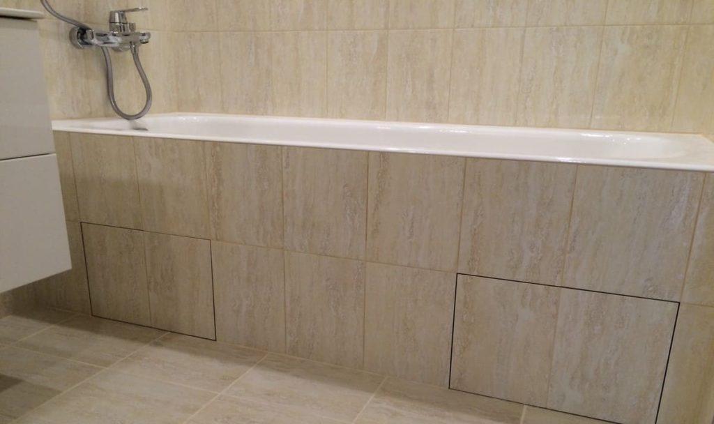 люк под ванну на клею