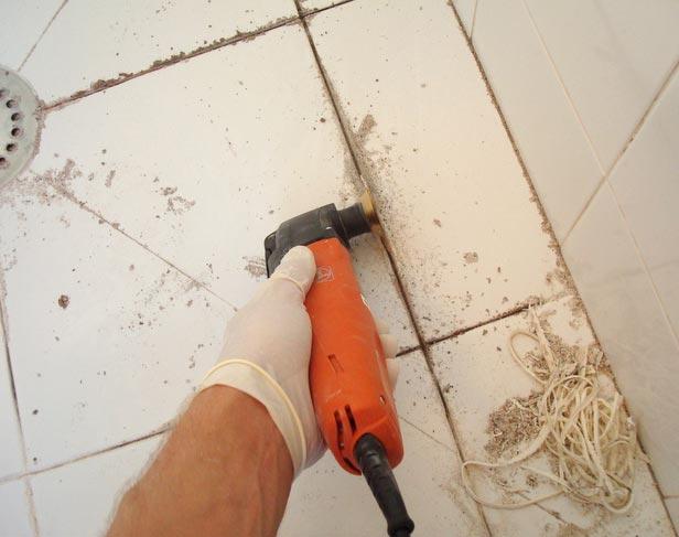 очистить швы между плиткой на полу