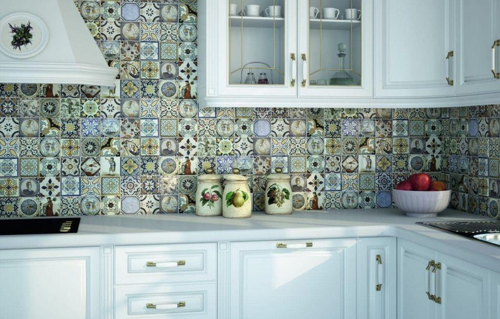 плитка мозаика для кухни на фартук в тон