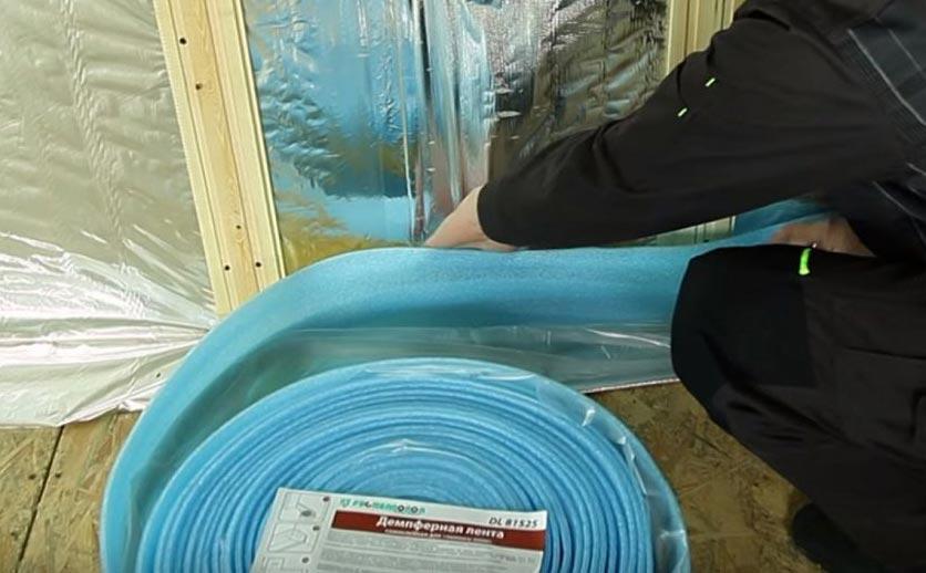 плитка на деревянный пол в ванной-демпферная прослойка
