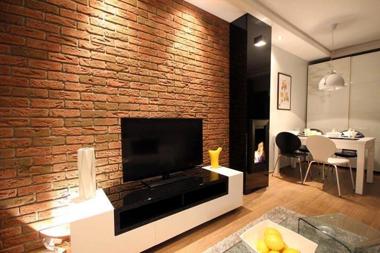 плитка под кирпич на стене