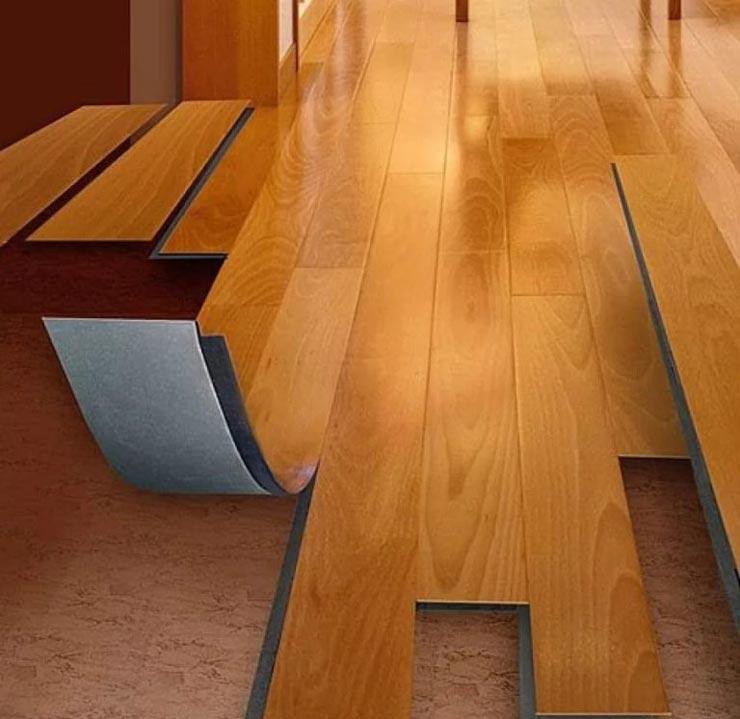 ПВХ плитка на полу
