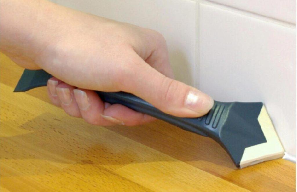шпатель для заполнения швов плитки