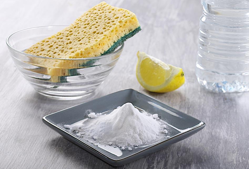 сода, уксус и лимон для чистки швов между плиткой в ванной