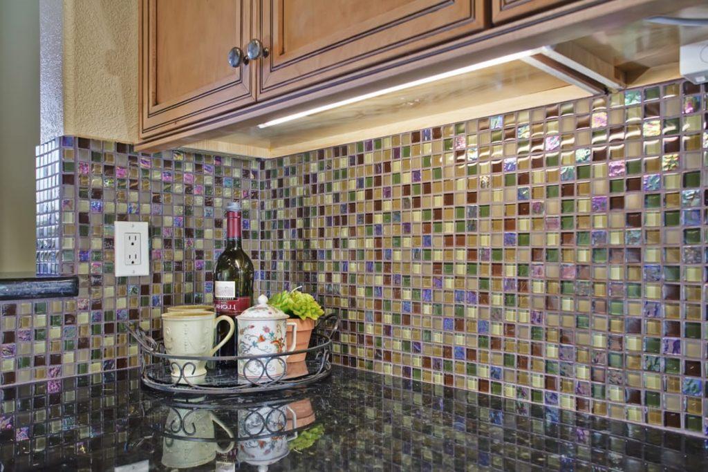 цветная стеклянная мозаика для кухни