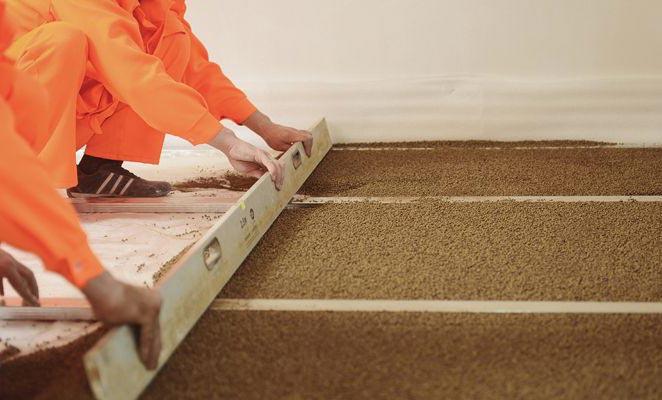укладка плитки на деревянный пол в ванной-керамзит