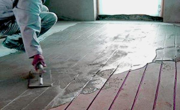 укладка плитки на деревянный пол в ванной-подготовка основания