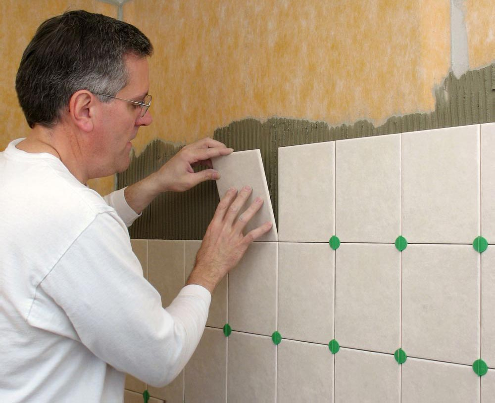 укладка плитки в ванной-этапы укладки