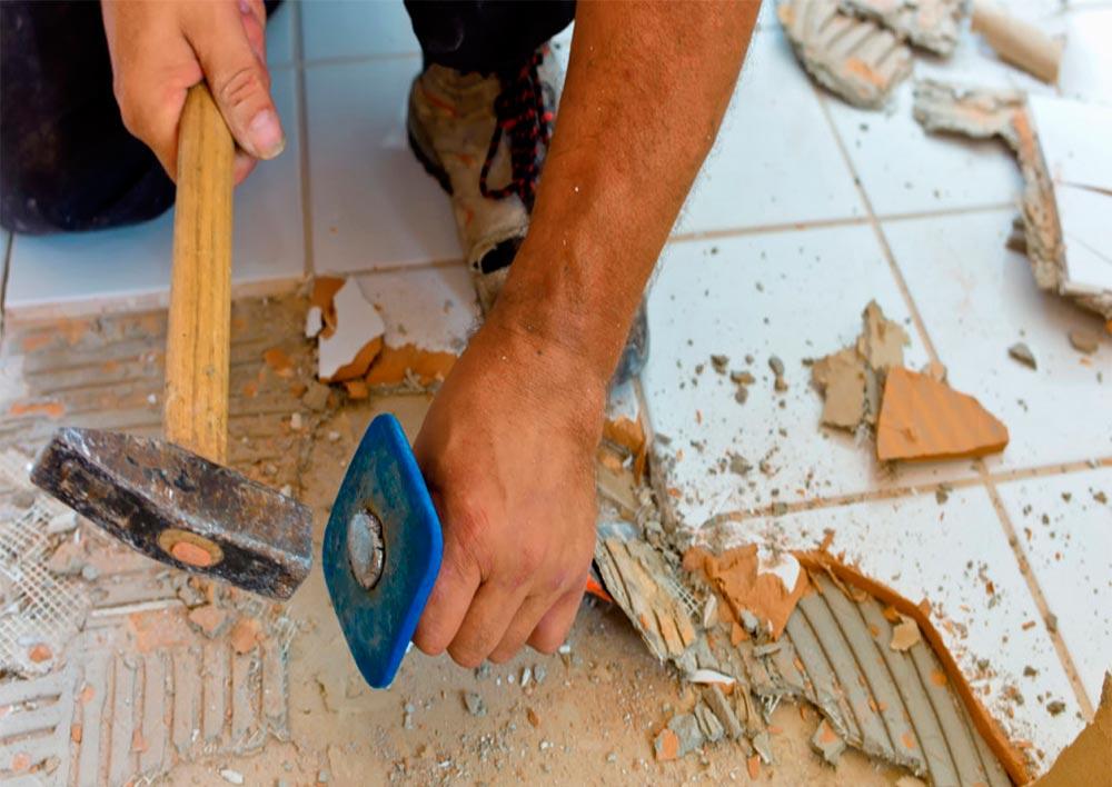 укладка плитки в ванной-советы по демонтажу