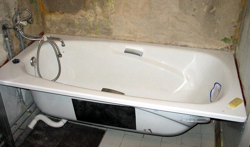 установка ванны до укладки плитки