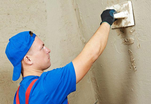 выравнивание стен плиточным клеем