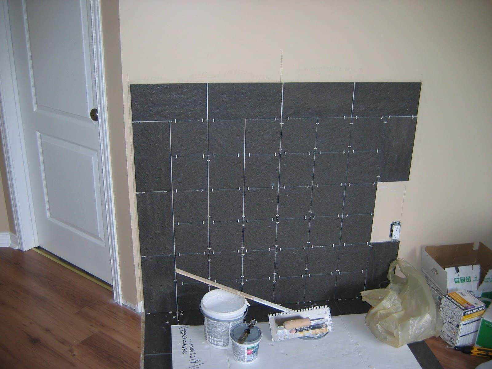 высыхание плиточного клея на стенке