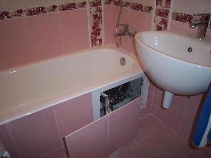 Два люка под ванной