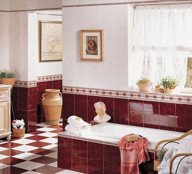 дизайн маленькой ванной в бордовом цвете с нейтральным фоном