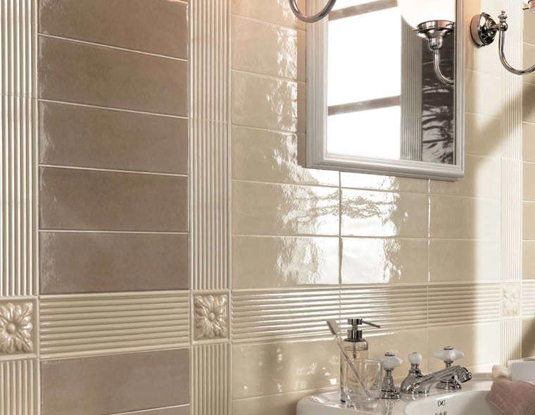 глянцевая плитка для ванной варианты