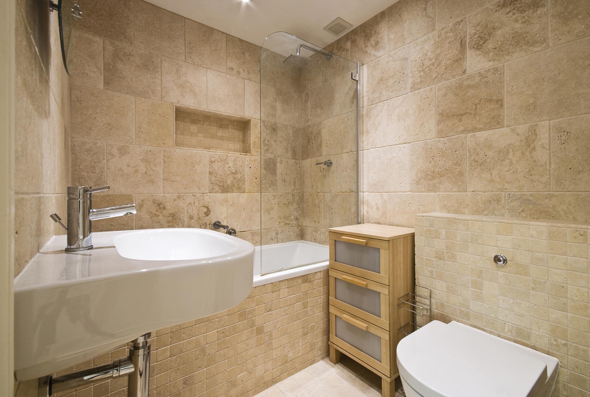 каменная плитка для ванной в современном стиле