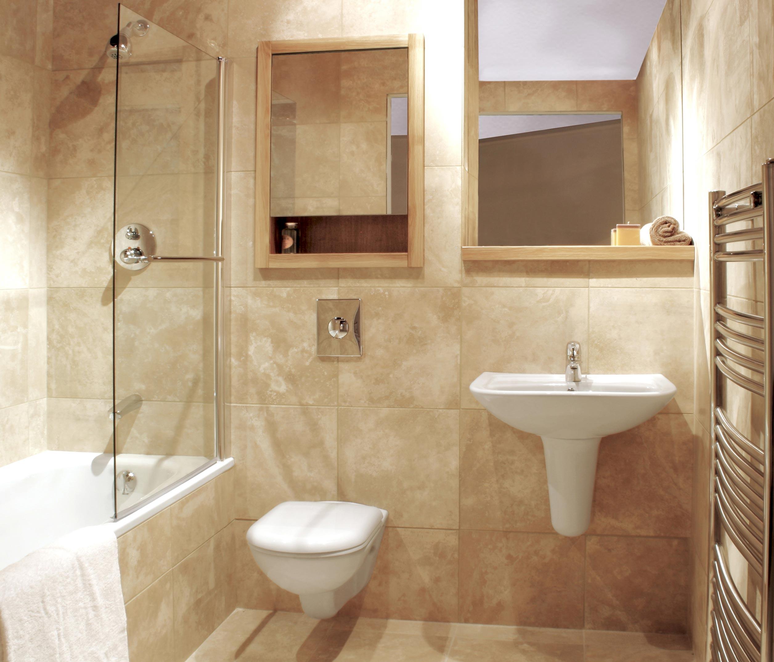 маленькая ванная комната в песочных тонах