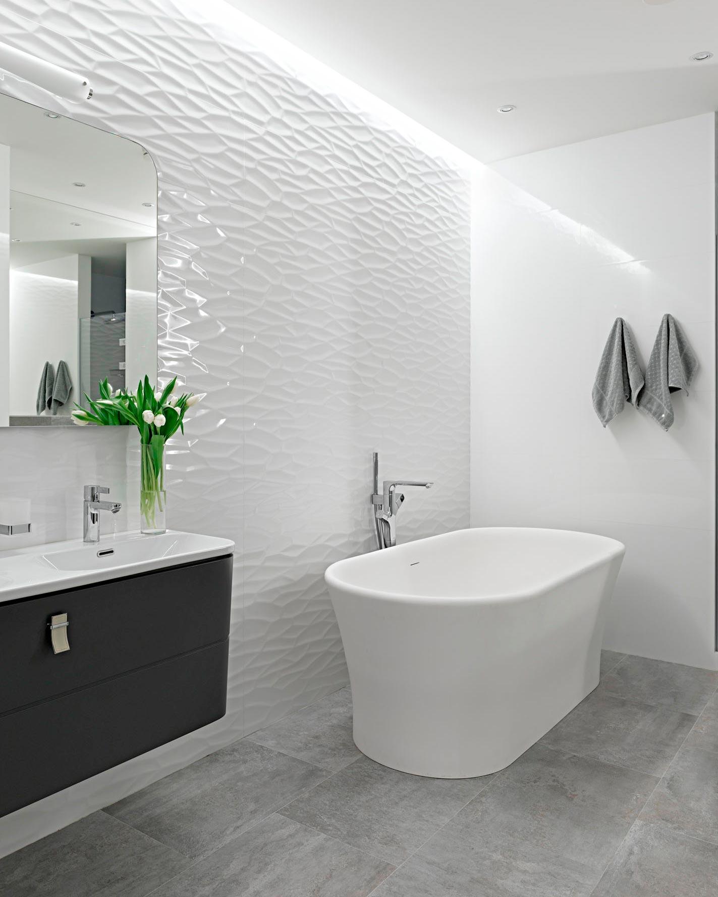 Много плиток белого цвета в ванной это плохо 3