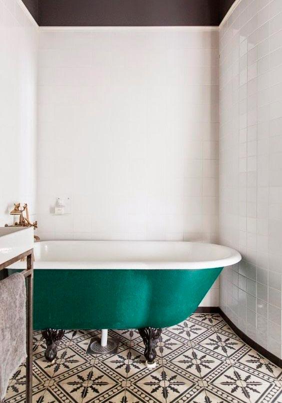 Много плиток белого цвета в ванной это плохо