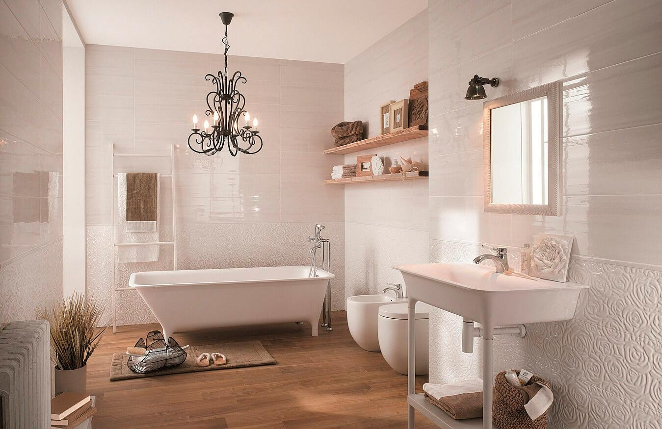 Особенности белой плитки в ванной 2