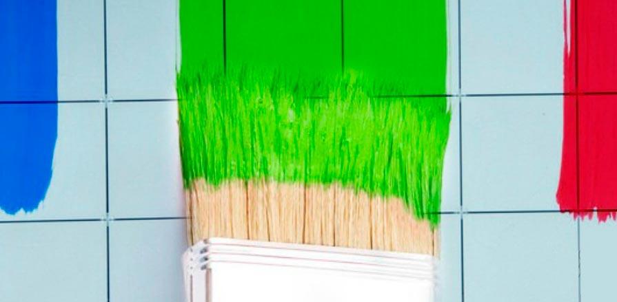 Особенности покраски кафельной плитки в ванной