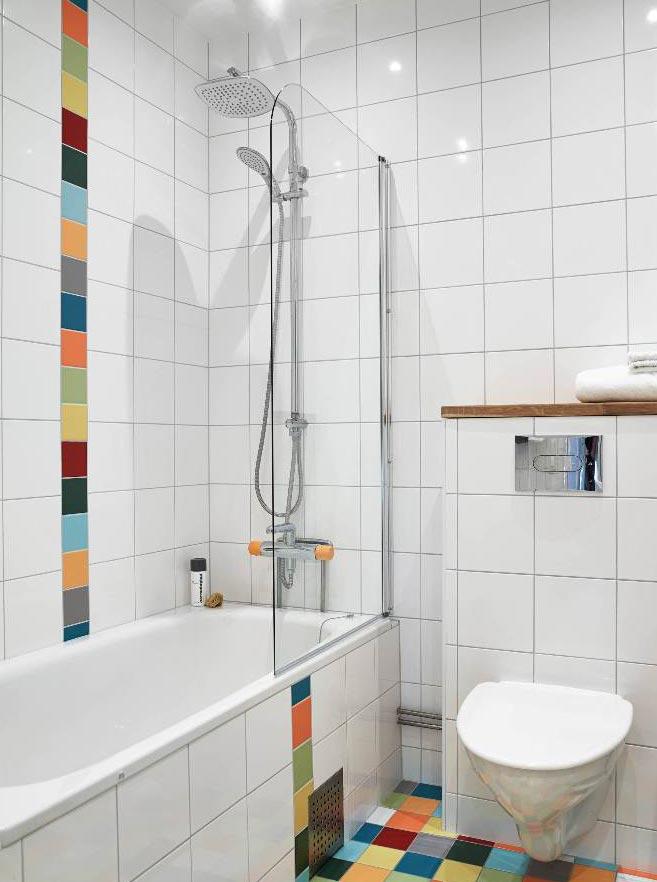 плитка в маленькой ванной комнате в перевязку-варианты