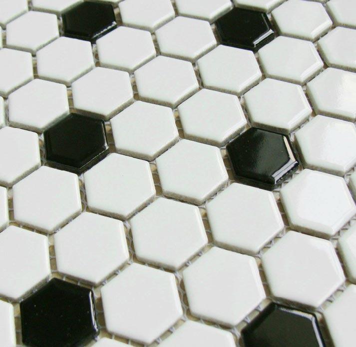 пол в ванной пчелиные соты