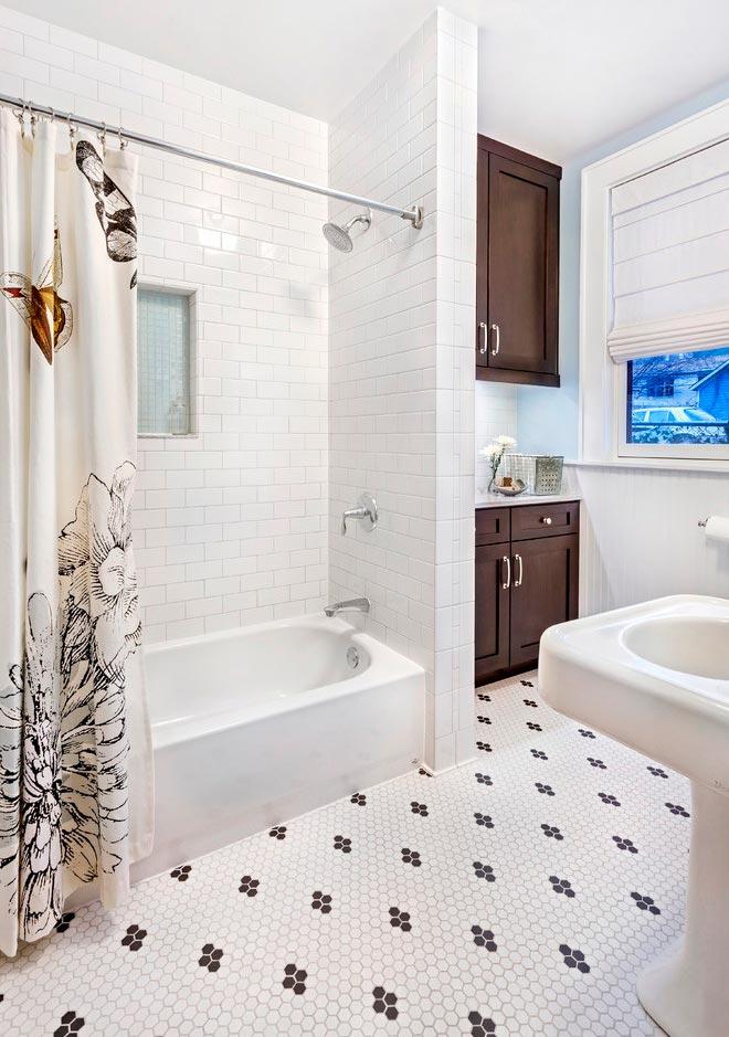 Преимущества и недостатки белой плитки в ванной 2