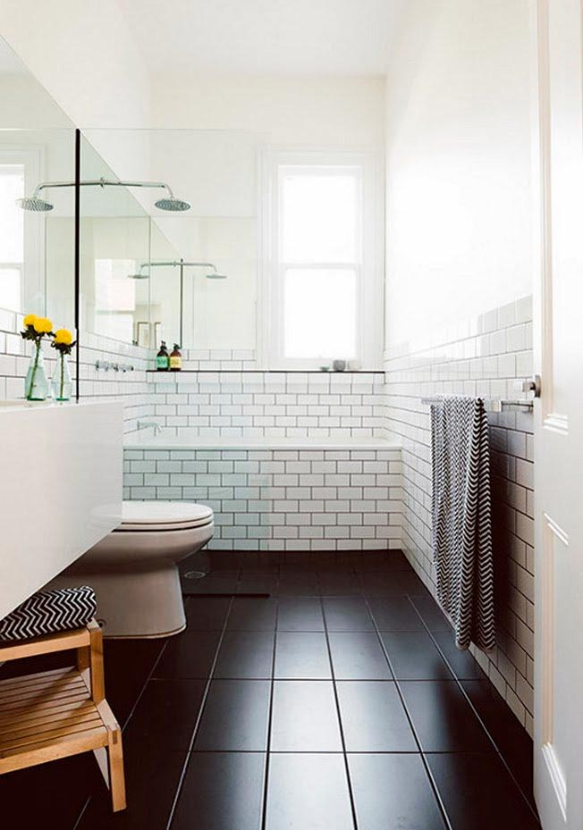 Требования и уход за белой плиткой в ванной
